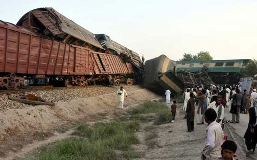 Pakistan Multan Train collision Six dead, 150 injured