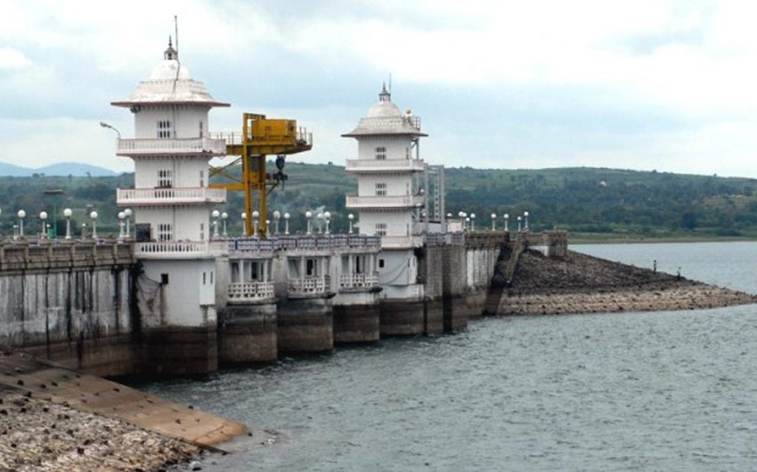 SC asks Karnataka to give 6,000 cusecs Cauvery Water to TN till Sept 27