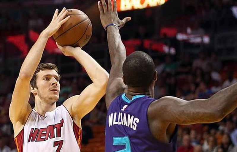 Charlotte Hornets vs Miami Heat Live Streaming, Starting Lineups, Live Score - Watch NBA Basketball on Online & TV