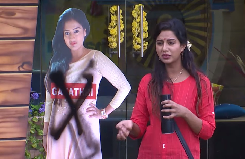 Bigg Boss Tamil - Raiza and Gayathri in the nomination